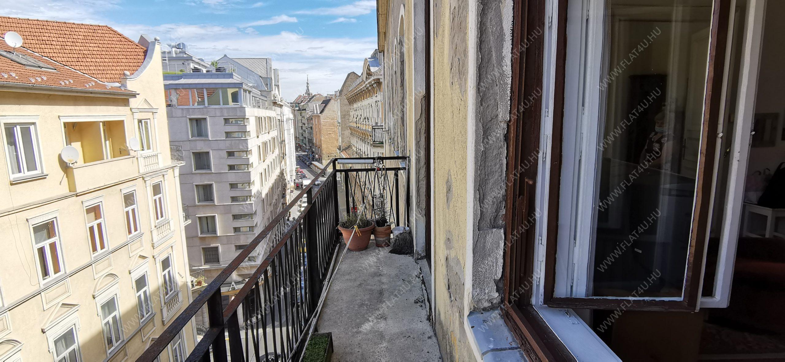 1072 Budapest, Rákóczi út 30.